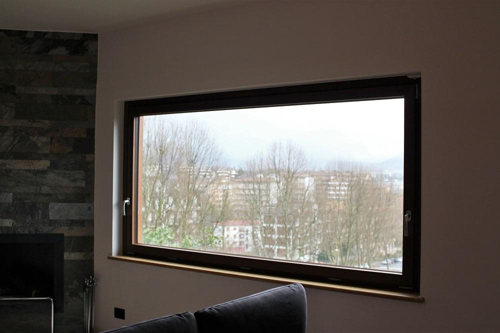 Duplex rifinito con infissi porte tende e finestre mi ba - Finestre con tende ...
